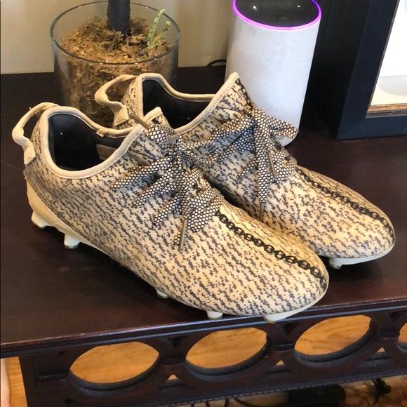 b15fa45f12e9e adidas Yeezy 350 Cleat Turtledove size 9.5. M 5c45f9f134a4ef64e6a7ce59
